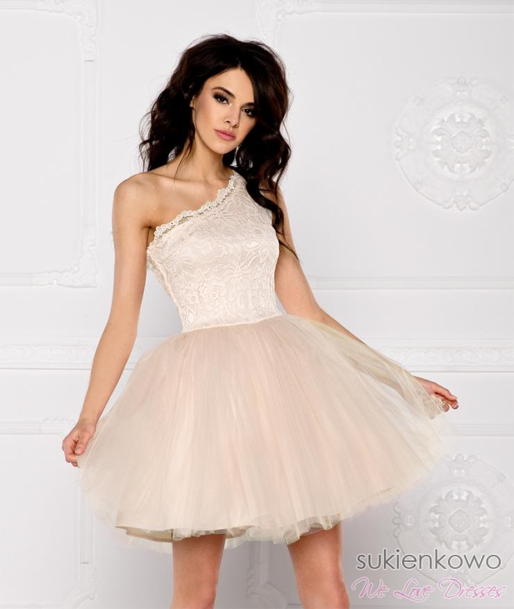 211f9705c4b4 CLEO - Sukienka koronkowo - tiulowa na jedno ramię nude