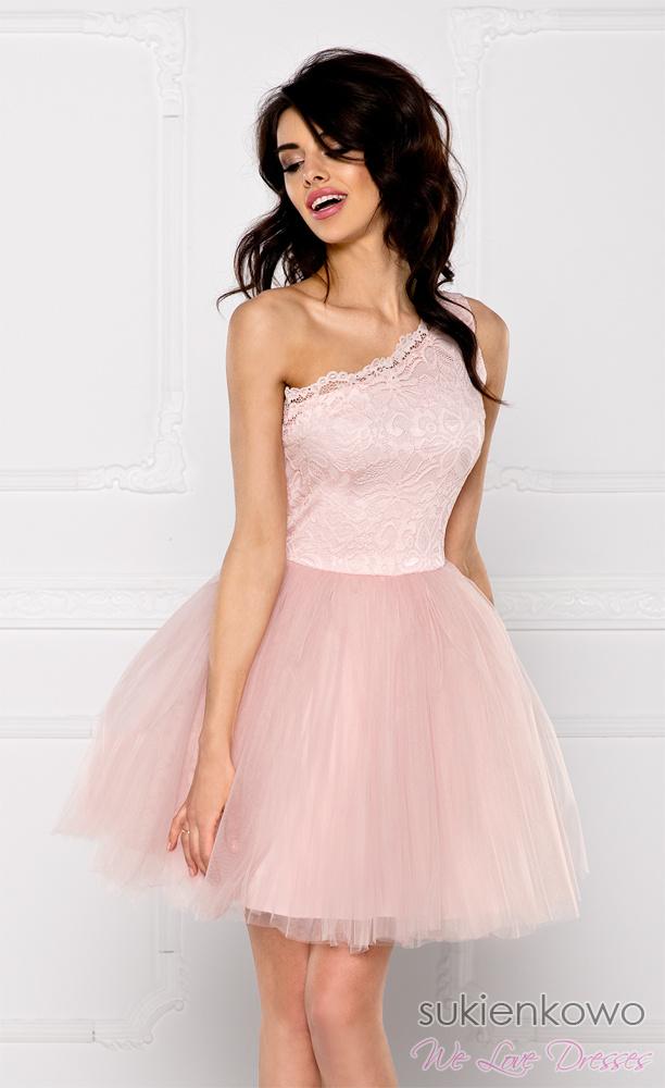 efcaac6aacf8 CLEO - Sukienka koronkowo - tiulowa na jedno ramię różowa