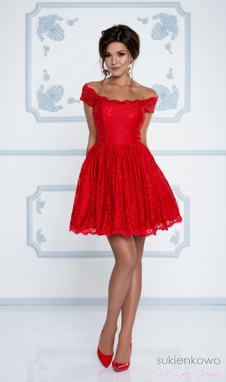 a3e06da33905a3 GRACIELA - Koronkowa sukienka z opadającymi ramionami CZERWONA