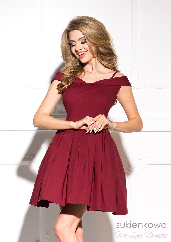 5bdcbbfe95 JULIA - Rozkloszowana sukienka bez ramion bordowa