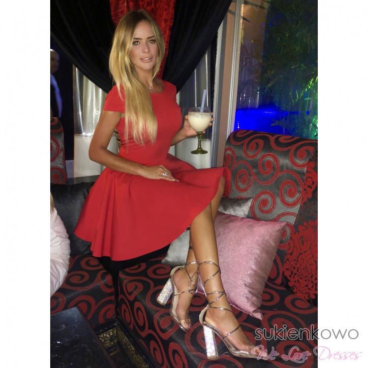 a091d5a38c LEA - Usztywniana rozkloszowana sukienka czerwona