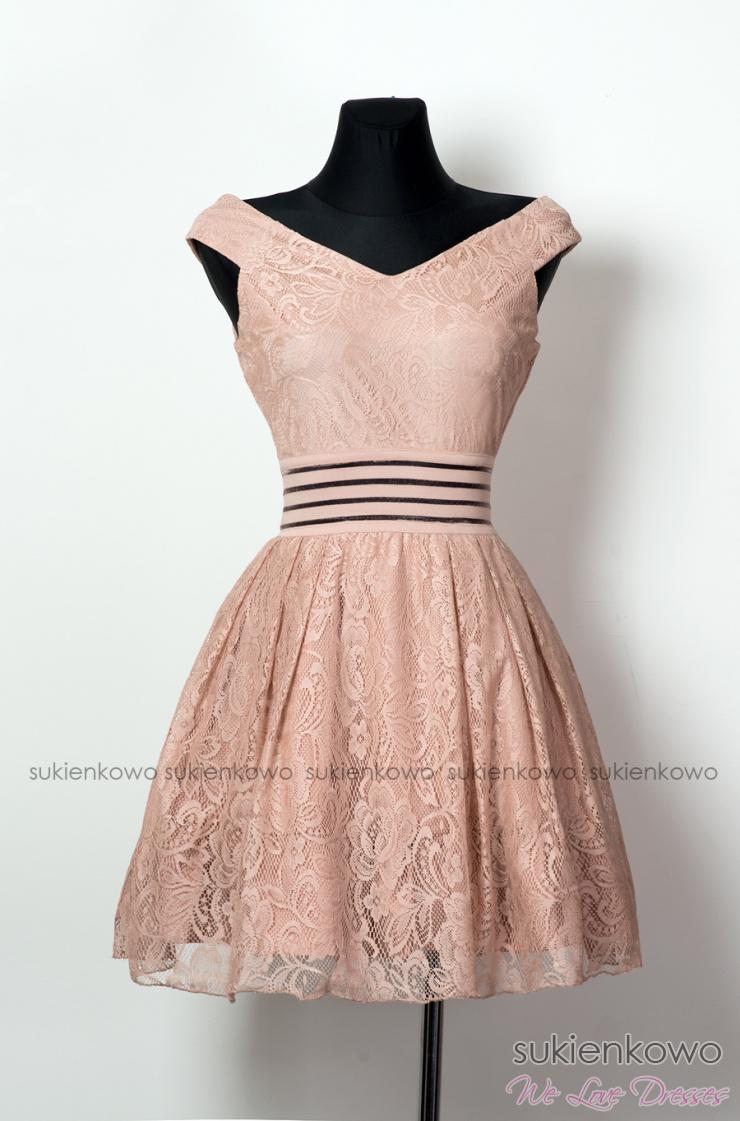 5b718b9a08 MARINE - Rozkloszowana koktajlowa sukienka z dekoltem różowa