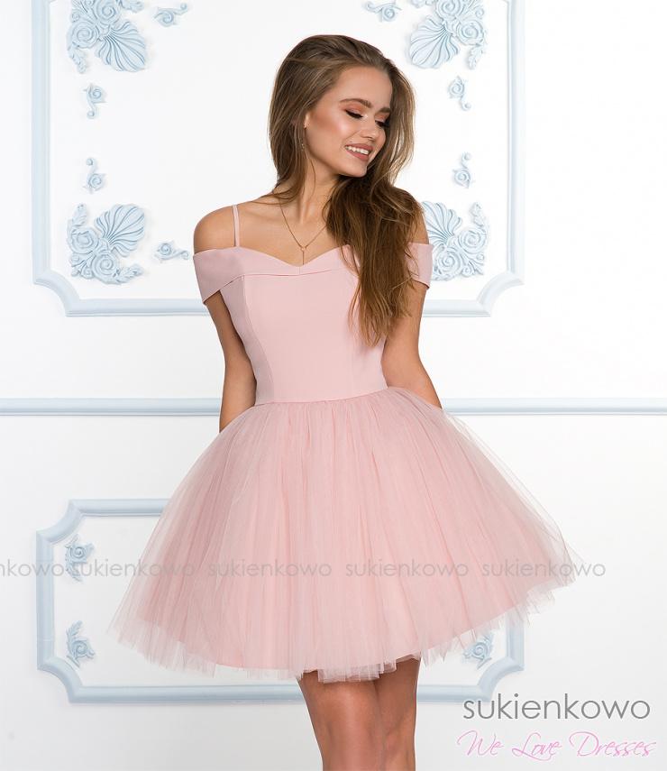 34e0e6491e SCARLET - Rozkloszowana sukienka bez ramion z tiulem różowa