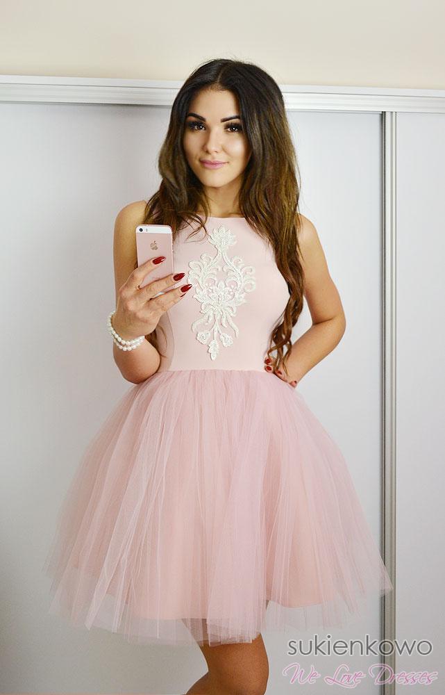 7d47c13750 SHERRI - Rozkloszowana tiulowa sukienka z haftem różowa
