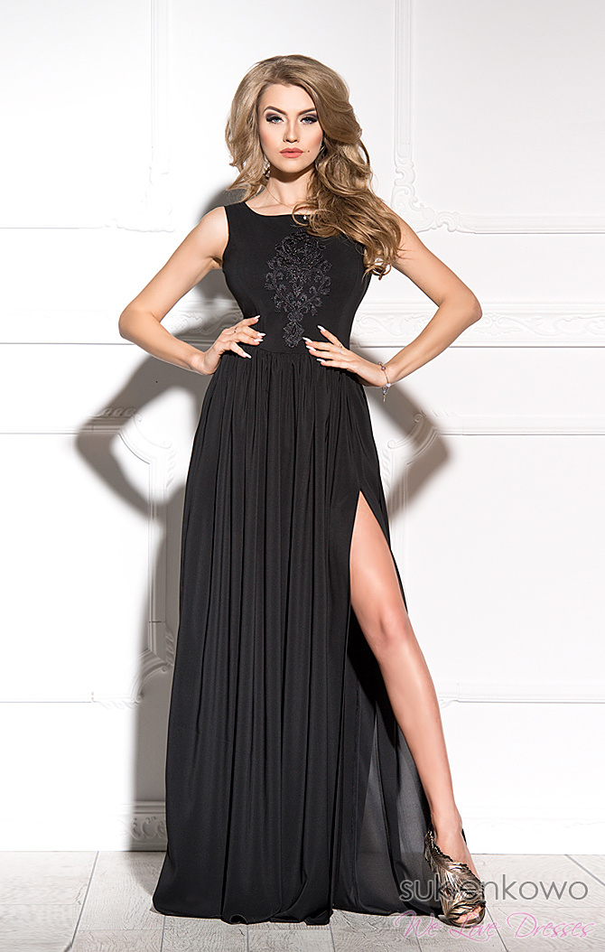 2a4fb5a62d VIRGINIA - Długa sukienka z rozcięciem na nodze czarna